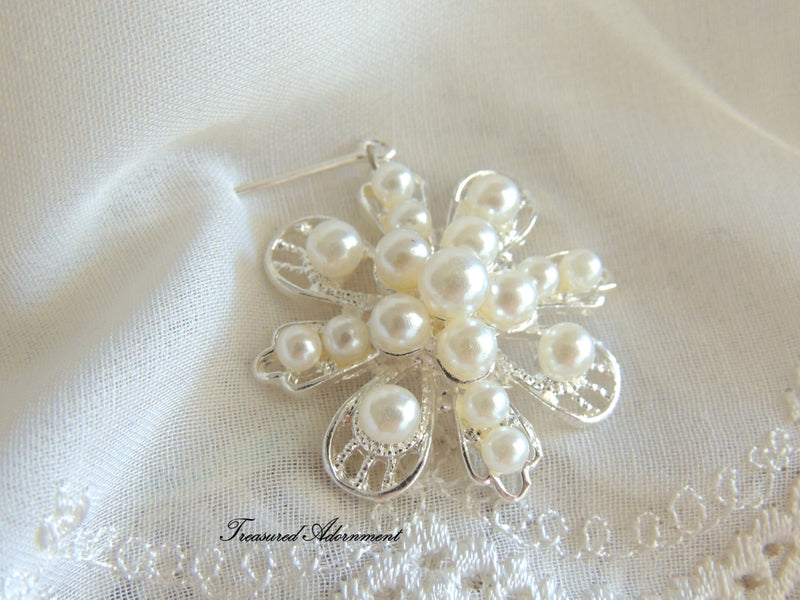 Pearl Flower Dangle Scarf Pin