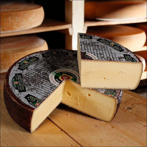 Redwine Swiss Farmer Cheese 1250 g