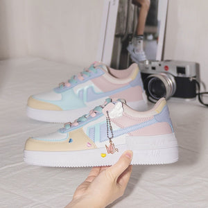 2021 Spring Korean xue sheng ban xie wang Red Little Daisy Sports Shoes White Shoes Woman Shoes Sneakers
