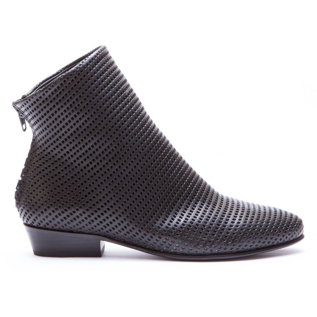 the last conspiracy BIFROST perforated Zip Boot 001 Black