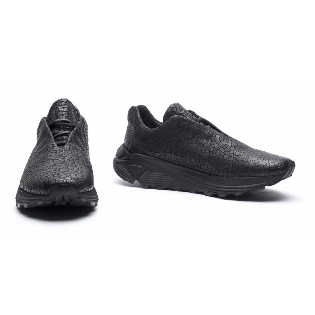 the last conspiracy CALEB cracked Low Top Sneaker 001 Black