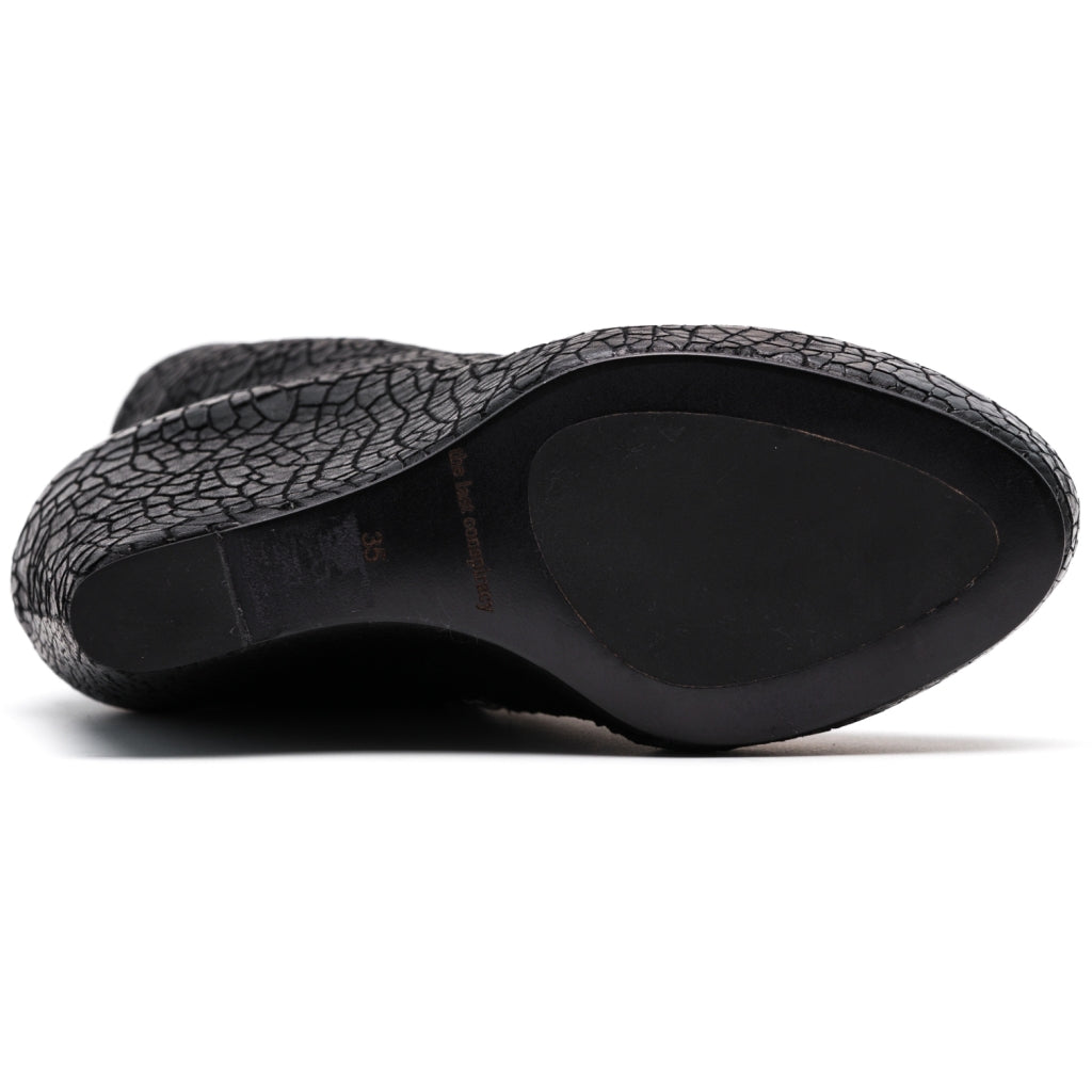 the last conspiracy CARLIE cracked Wedge 001 Black