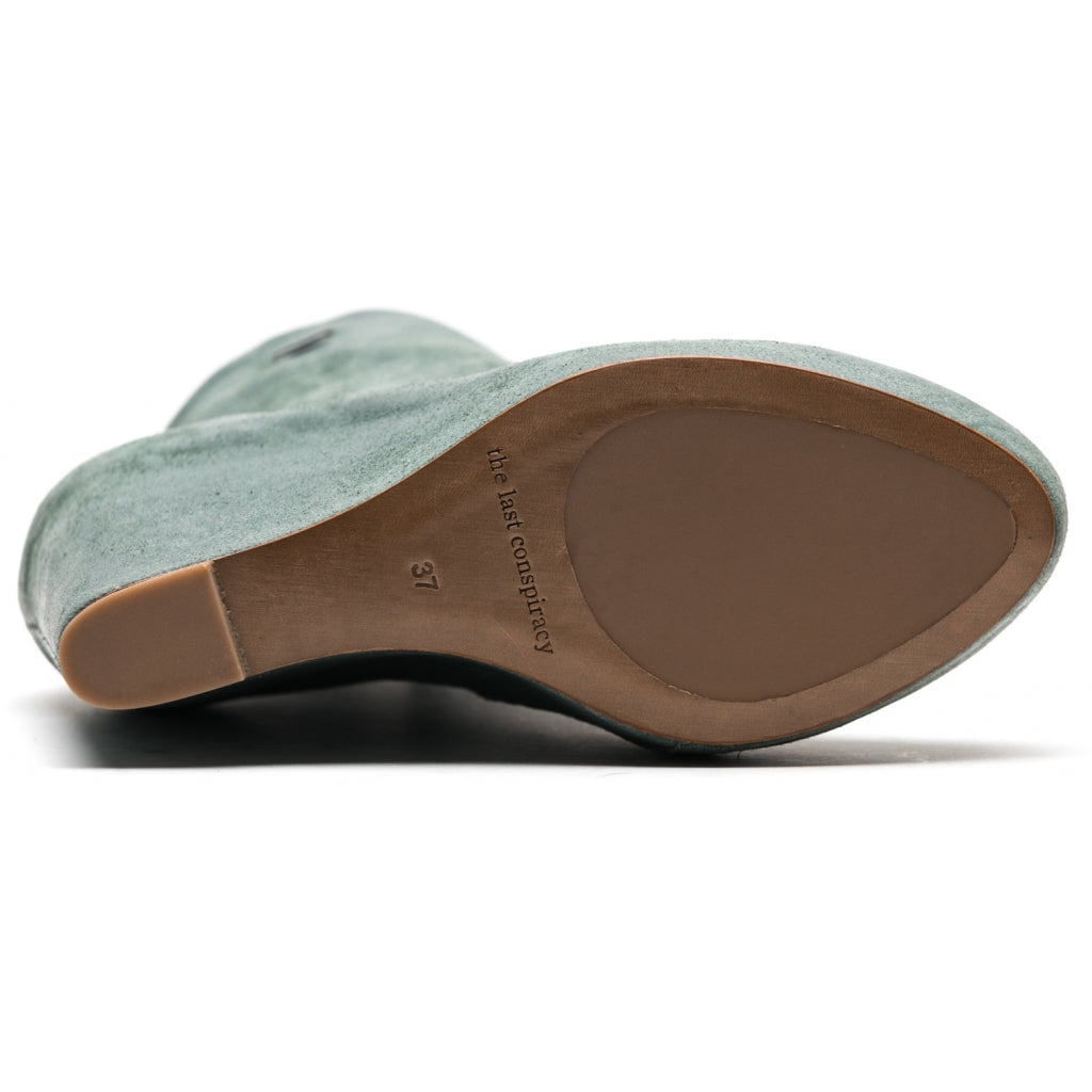 the last conspiracy CARLIE waxed suede Wedge 084 Purist Blue