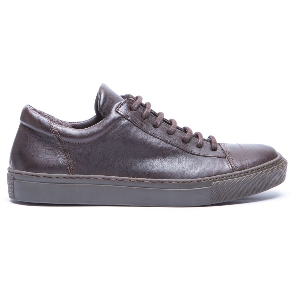 the last conspiracy EDGAR clean Low Top Sneaker 001 Black