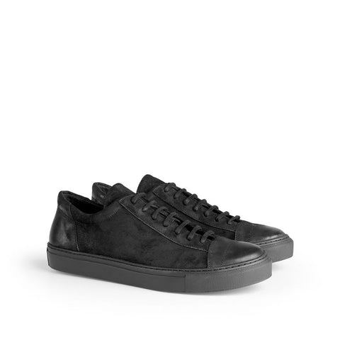the last conspiracy EDGAR waxed suede Low Top Sneaker 001 Black