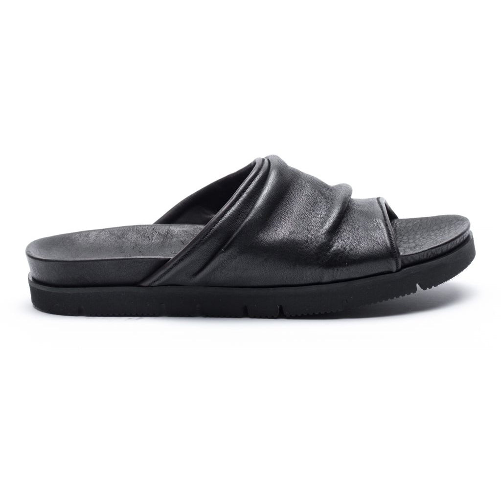the last conspiracy GUSTAVO re waxed vibram Sandal 001 Black