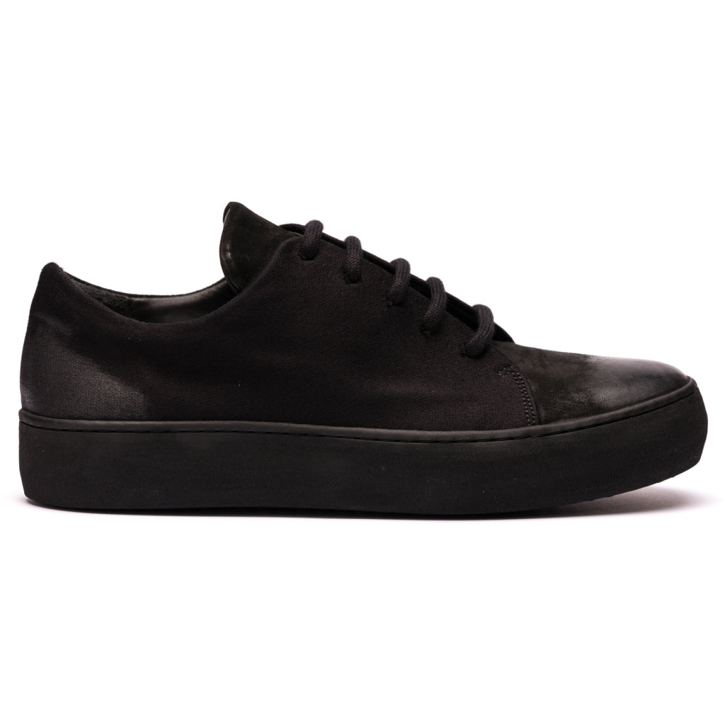 Hannes Roether x the last conspiracy HOP Low Top Sneaker 001 Black
