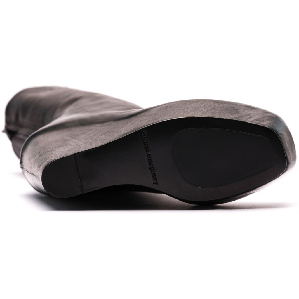 the last conspiracy KASA steer Wedge 001 Black