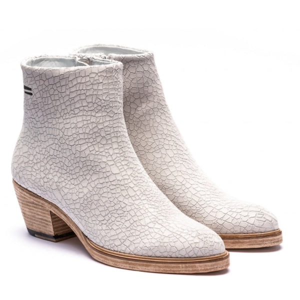 the last conspiracy MAE cracked Heel Boot 036 White