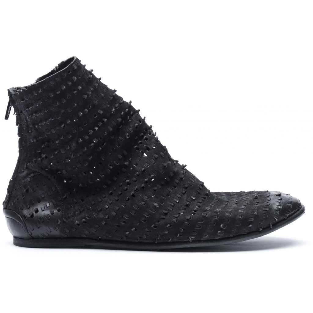 the last conspiracy NAELY perforated Boot 001 Black