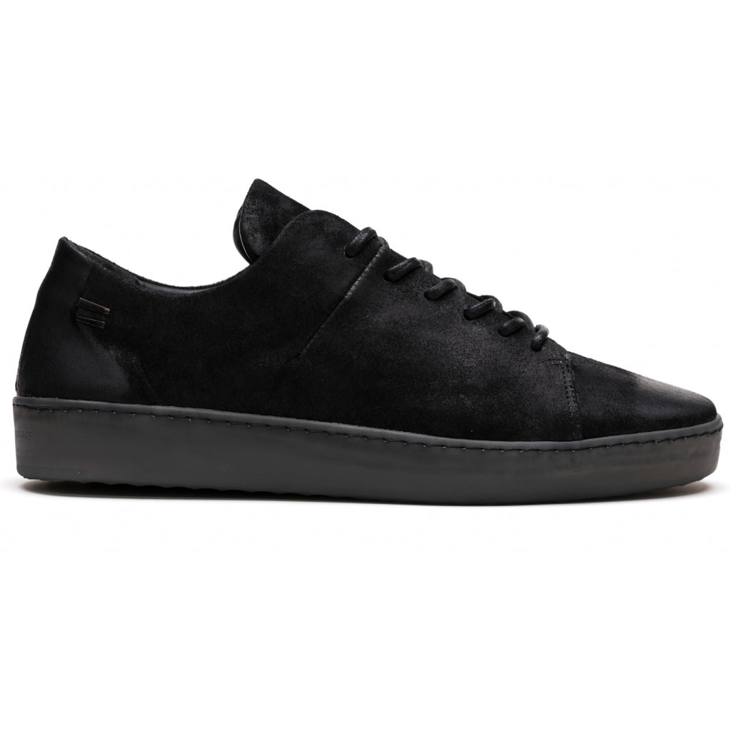 the last conspiracy KADEN waxed suede Low Top Sneaker 801 Black /Smoke sole