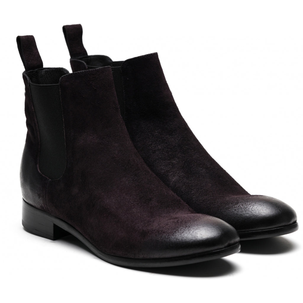 the last conspiracy VALARIA waxed suede Chelsea Boot 089 Fudge