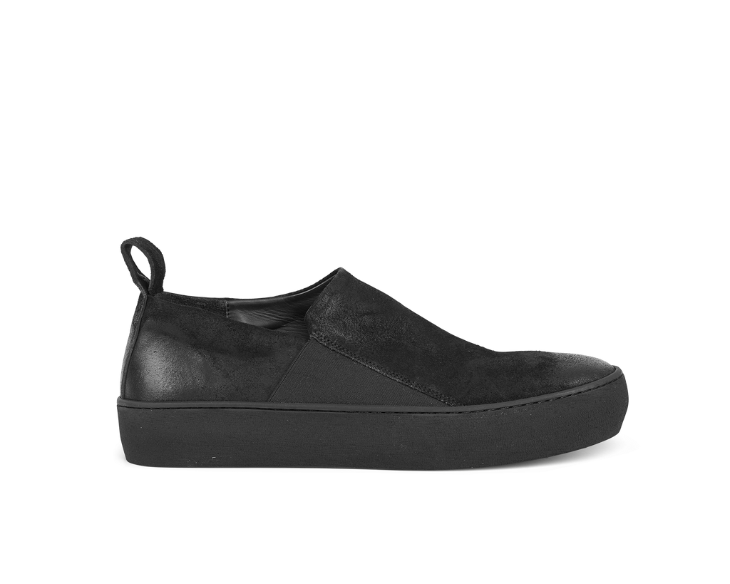 the last conspiracy GUILHERME waxed suede Low Top 301 Black/buffed sole
