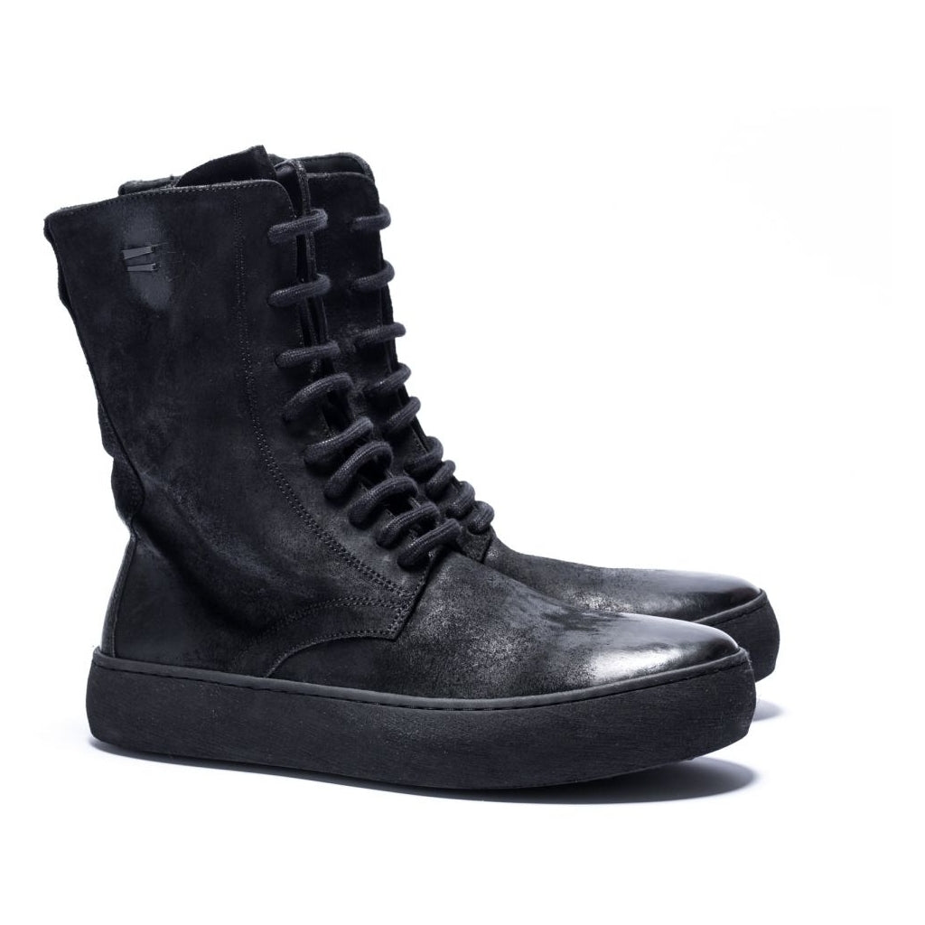 the last conspiracy JADA waxed suede  301 Black/buffed sole