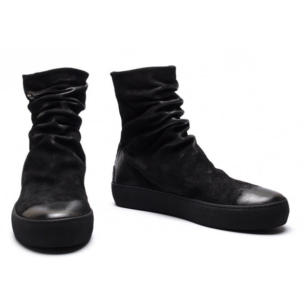 the last conspiracy FINN waxed suede High Top Sneaker 301 Black/buffed sole