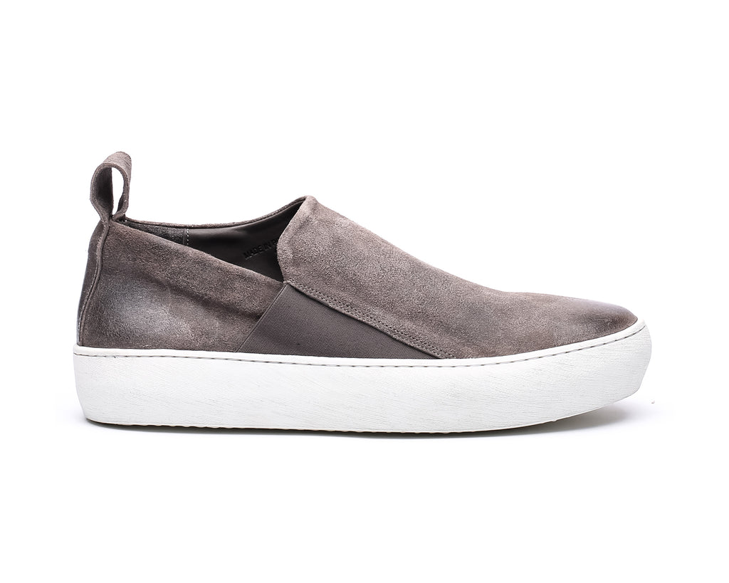 the last conspiracy GUILHERME waxed suede Low Top 452 Dark Grey/white sole/buffed sole