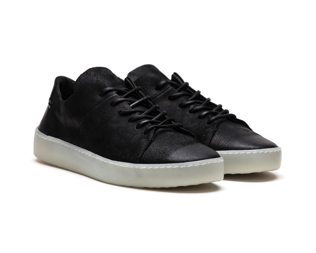 the last conspiracy KADEN waxed suede Low Top Sneaker 701 Black/transparent sole