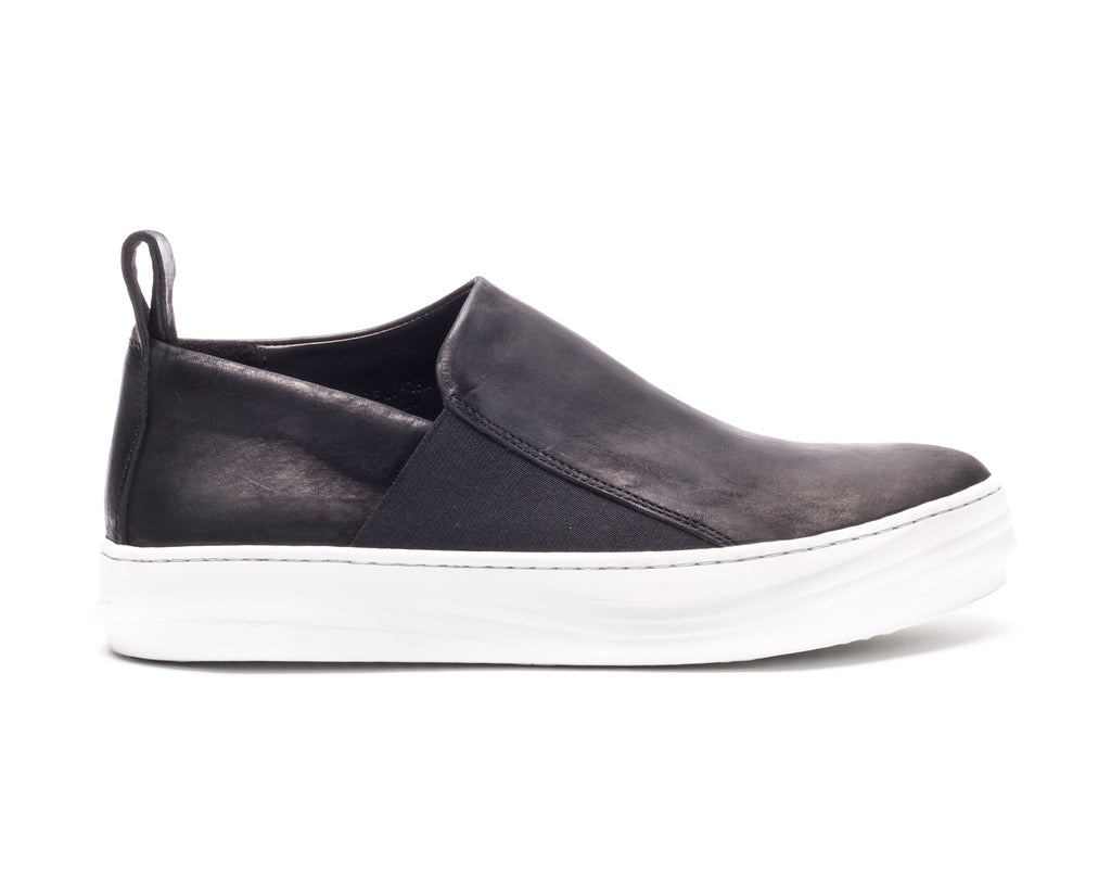 the last conspiracy ELIANE mat Loafer 201 Black/white sole