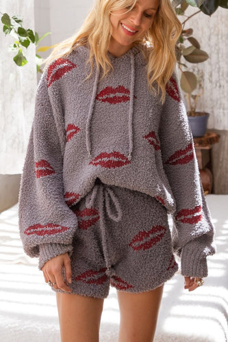 Fuzzy Lips Short - Modern Romance Boutique
