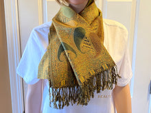 Load image into Gallery viewer, Paisley Green/Gold Pashmina Scarve