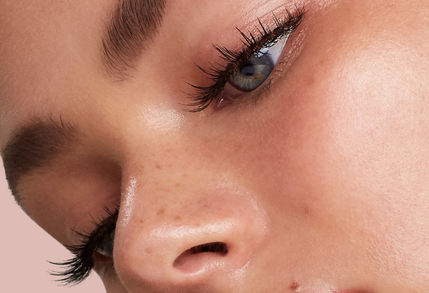 'How To' False Lashes