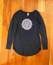 Load image into Gallery viewer, Women's Long Sleeve Tunic Tee - Black (provides 14 meals)