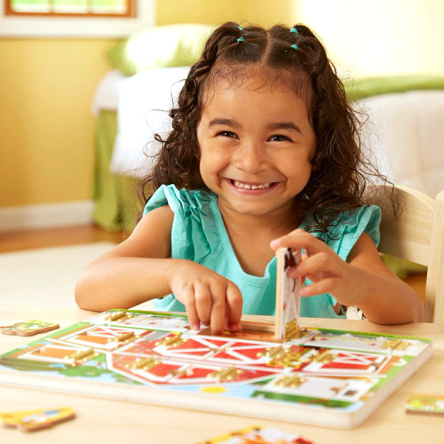 Melissa and Doug: tablica z drzwiczkami i magnesami Farma