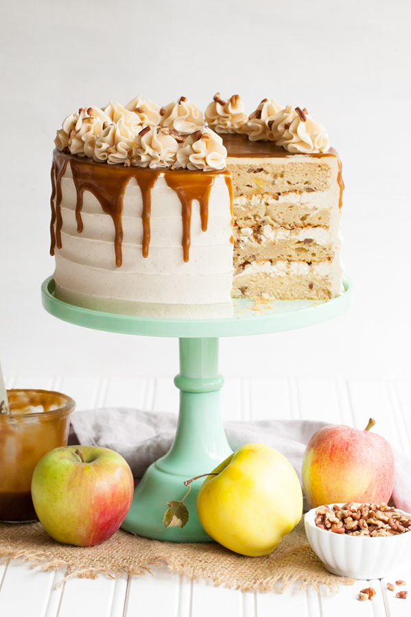 How to make Apple Toffee Crunch Cake?
