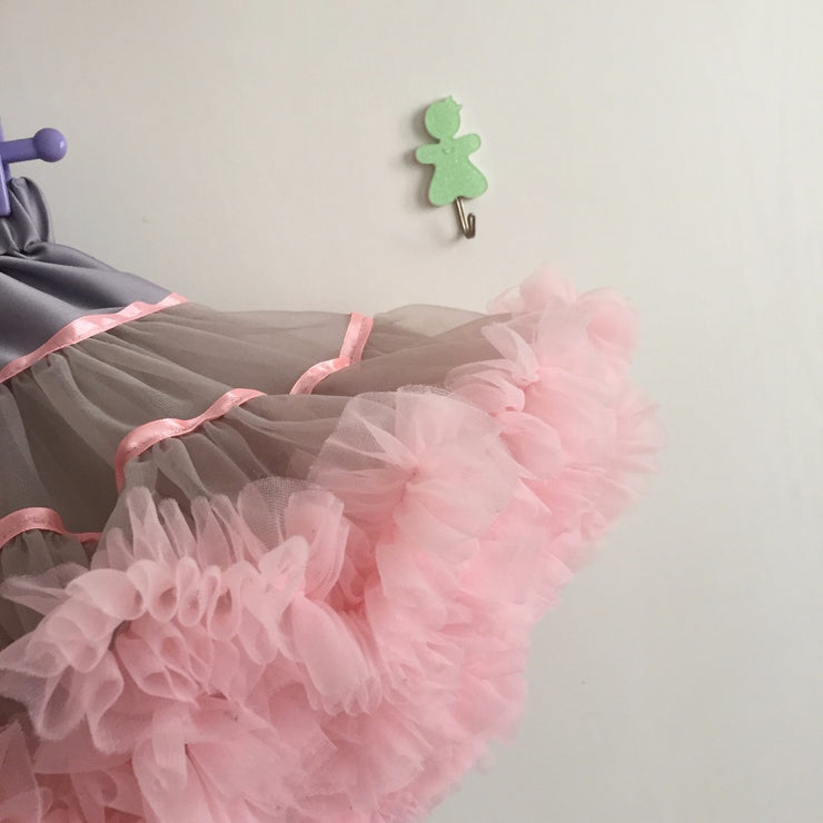 Child Pettiskirt Tutu w/ Satin Ribbon - Labellabambino