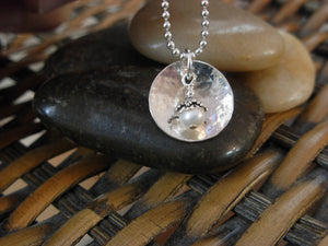 Silver Pool Pearl Necklace