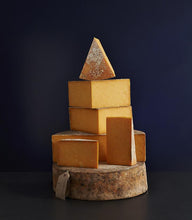 Load image into Gallery viewer, Sparkenhoe Red Leicester