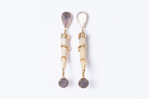 Cacho Tallado Earrings with Cabochon