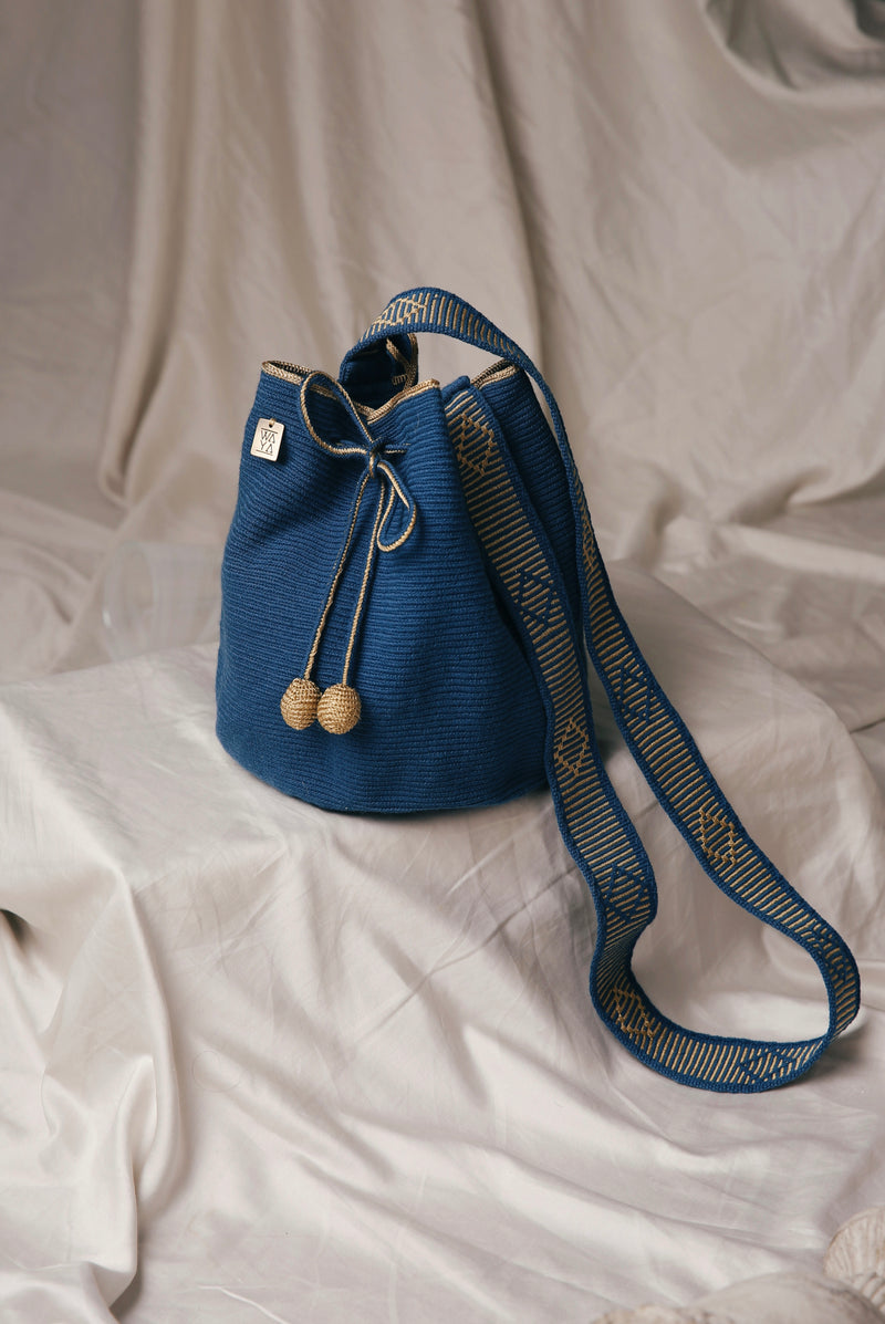 Iconic Medium Bag Navy