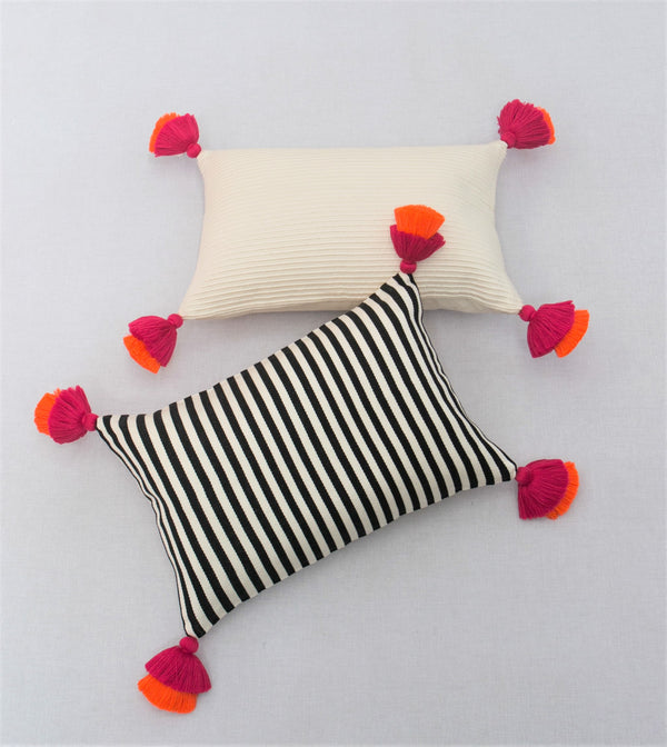 Pompom Black & White Pillow Cover II