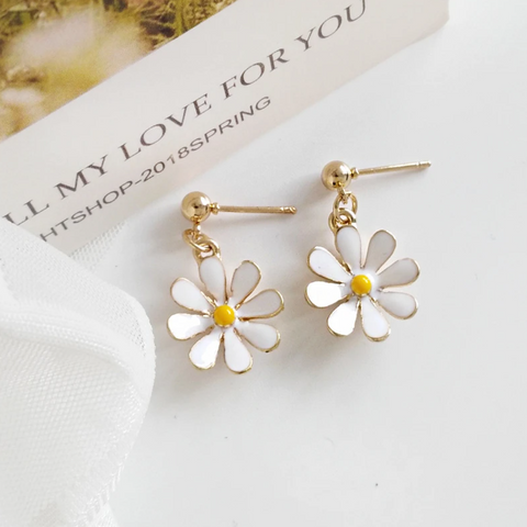 Small Daisy Flower Earrings