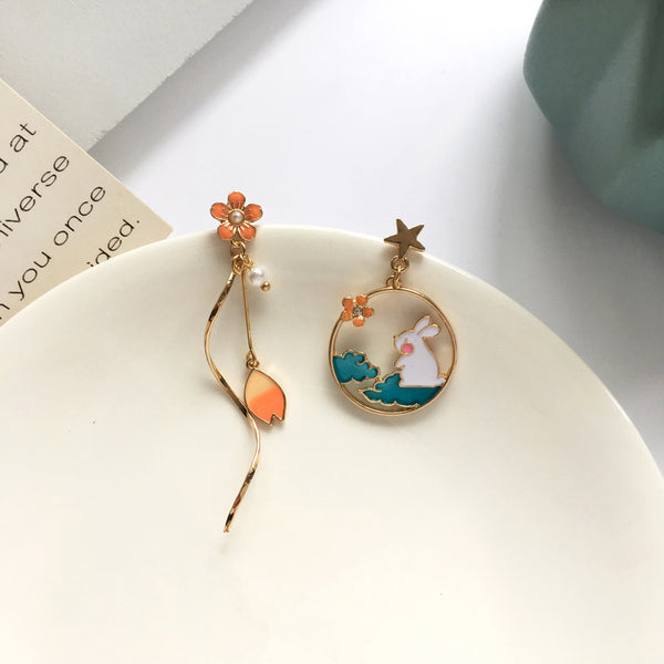 Loli Asymmetrical Bunny Flower Stud Earrings