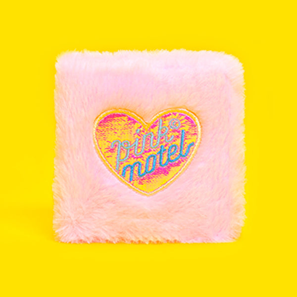 Bentoy  peach heart embroidered portable wallet