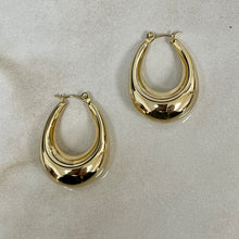 Load image into Gallery viewer, Fran Chunky Hoops