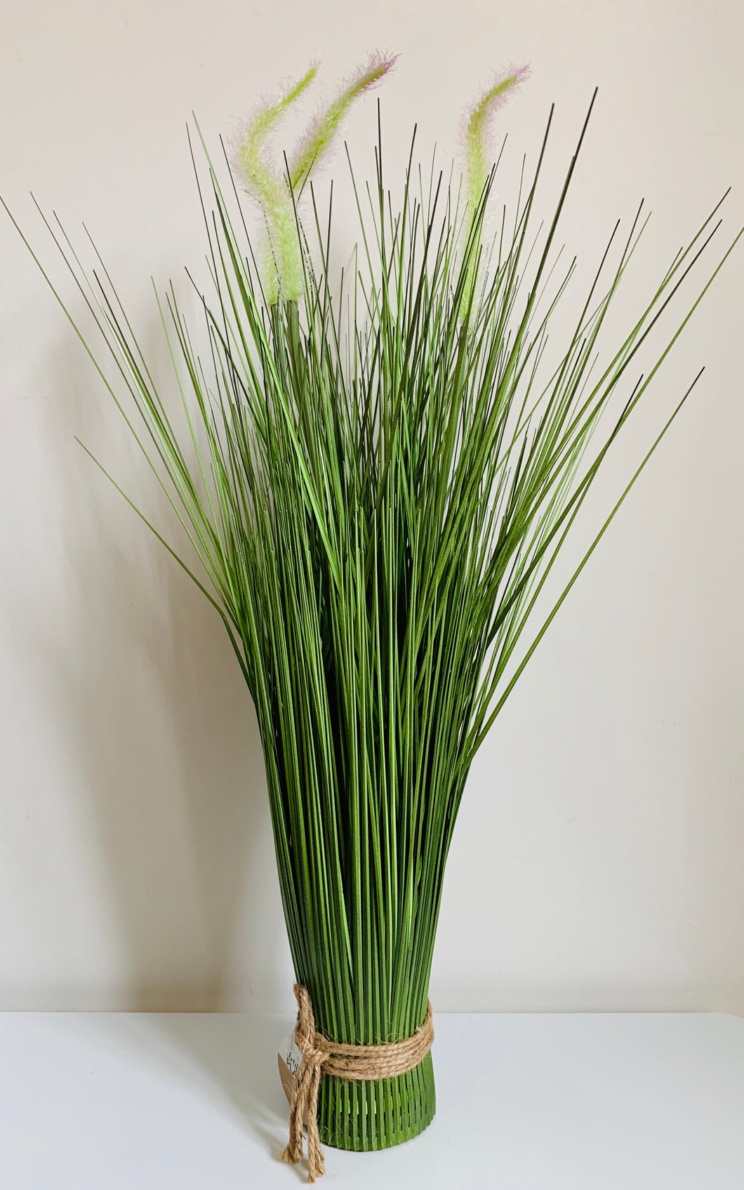 Artificial onion grass bundle