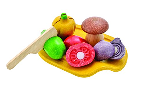 PlanToys 7 Piece Assorted  Vegetable Food Playset (3601) | Sustainably Made from Rubberwood and Non-Toxic Paints and Dyes | Eco-Friendly PlanWood