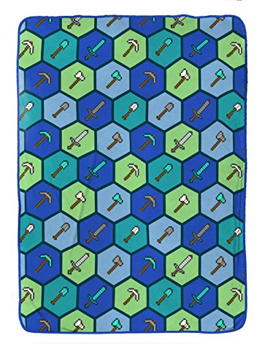 Jay Franco Minecraft Blanket - Measures 62 x 90 inches, Kids Bedding - Fade Resistant Super Soft Fleece - (Official Minecraft Product)