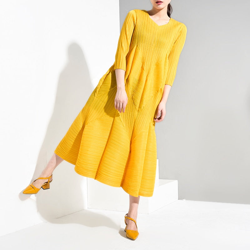LANMREM Solid Color V-neck Seven-point Sleeve Three-dimensional Pleated Plus Woman Dress Casual Fashion 2019 Autumn New TV738