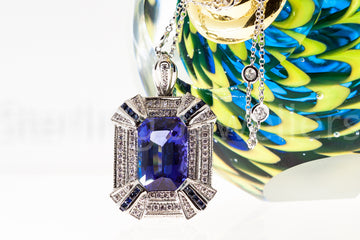 18ct w/g Tanzanite Diamond pendant