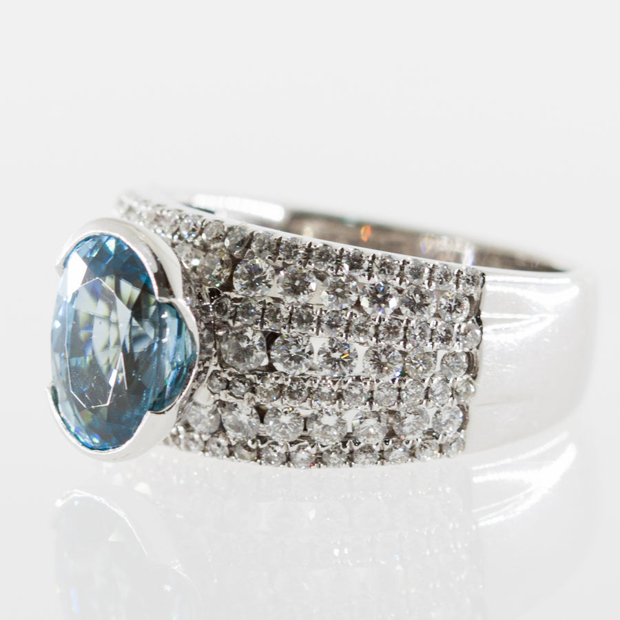 18ct w/g Blue Zircon & diamond ring