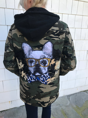 The Frenchie de Hipster Camo