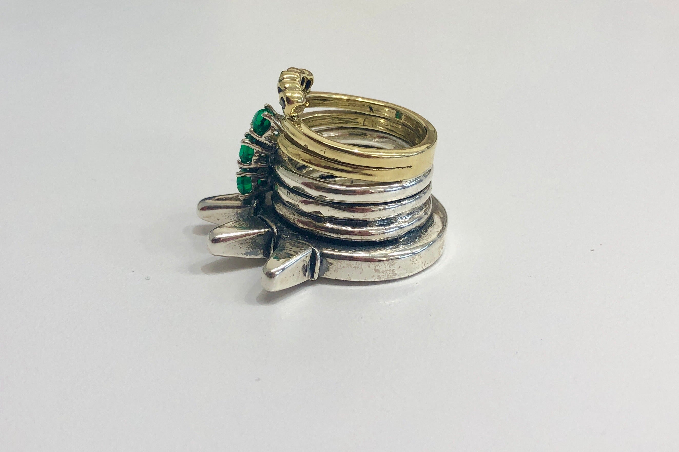 Angostura stacked spiker ring