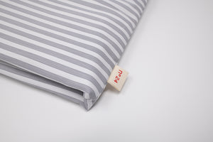 no24 tea cozy // grey & white striped