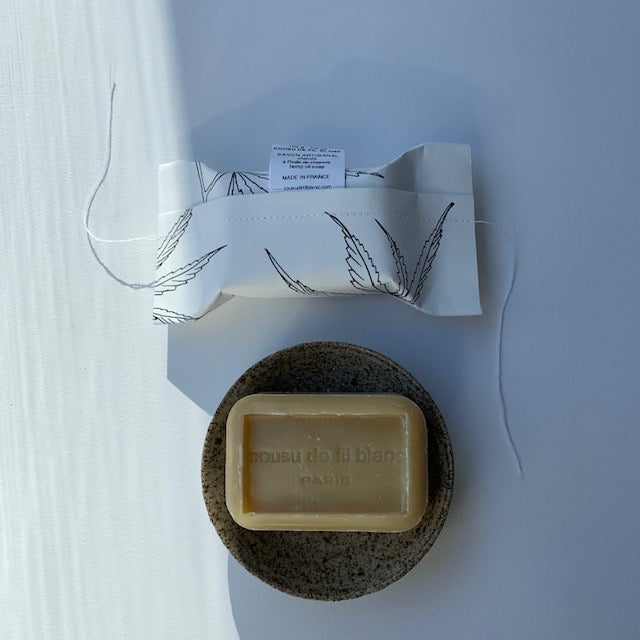 Cousu De Fil Blanc // Chanvre // Hemp Oil Soap