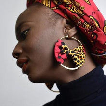 Load image into Gallery viewer, Dijah Hoop Earring with Bow
