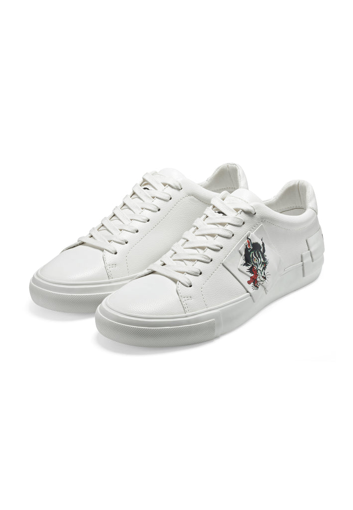 PATCH-ED LOW TOP-WOLF - WHITE